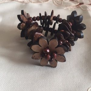 Jewelry - Wood Beaded Stretchable Flowered Stoned Bracelet